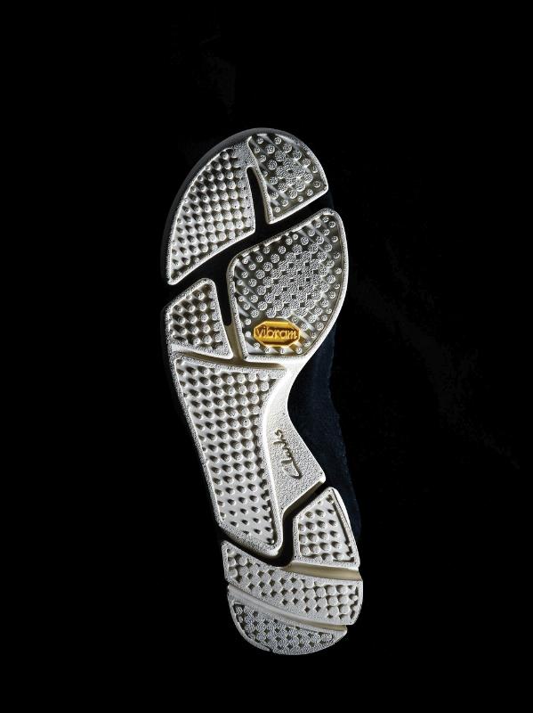 Clarks lance Trigenic, un nouveau modèle innovant et basé sur le même idéal de simplicité que sa légendaire Desert Boot