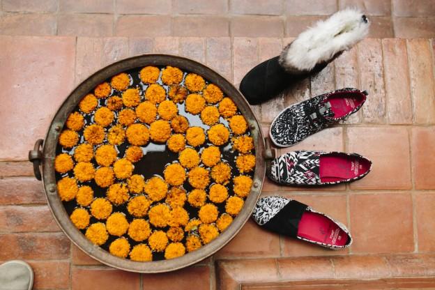 TOMS et Prabal Gurung s'allient pour célébrer le Népal