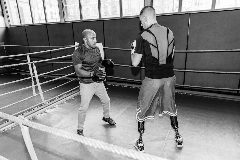 Thierry:  Tee Primark  Pantalon Umbro  Chaussures Adidas