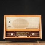 Schneider et A.bsolument redonnent vie aux anciens postes radio