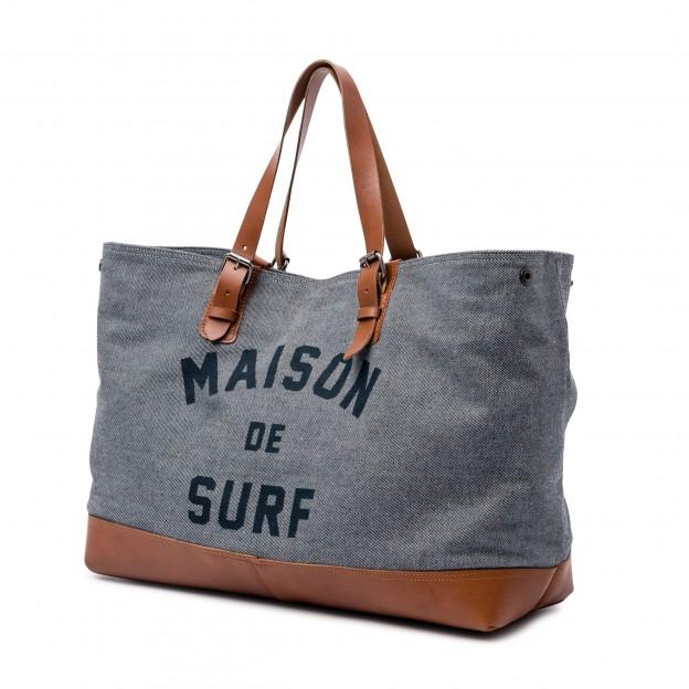Oxbow présente les cabas 'Maison de Surf'
