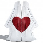 Adidas célèbre la saint valentin en superstar